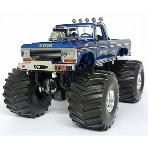 """BIGFOOT #1 The Original Monster Truck 1:18 1974 Ford F-250 w/ 66"""" Tyres Greenlight - Official"""